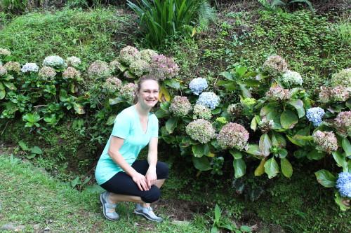 So do hydrangeas.. my favorite flower!!