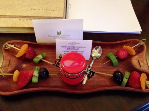 Cute welcome of fruit skewers and dipping chocolate!
