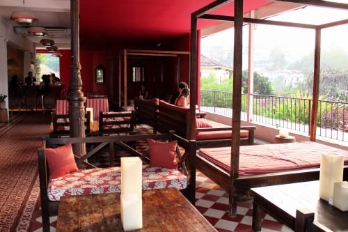 Hotel Santa Teresa - cute and breezy open-air bar